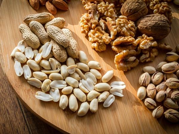 gesunde fette -nüsse